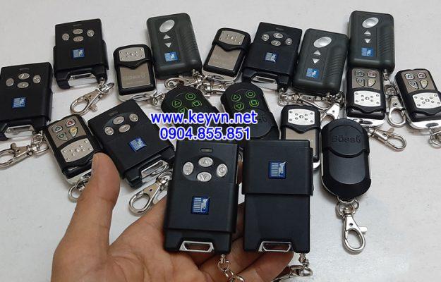 Đánh chìa khóa cửa cuốn Austdoor