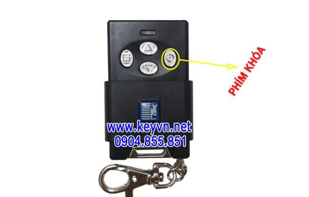 Mở khóa tay điều khiển cửa cuốn Austdoor