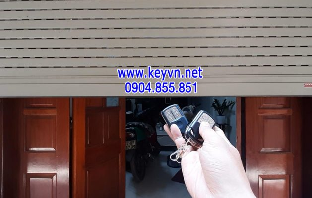 Chép chìa khóa từ cửa cuốn Hà Nội